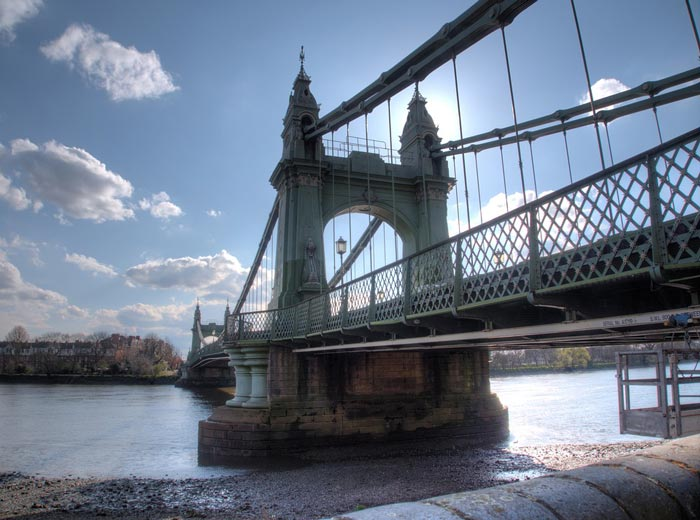 Hammersmith Bridge (c) Simon Michael
