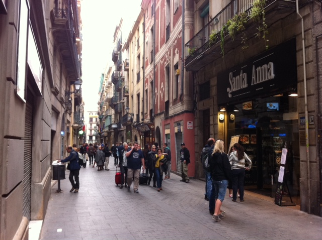 Calle Santa Ana (c) thebooktrail