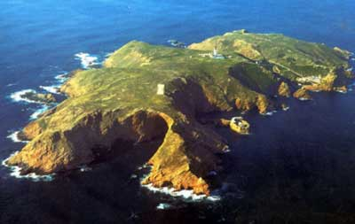 The stunning Berlengas Islands off the coast of Portugal, where Dawnay defies the conventions of her day and travels alone to begin her scientific investigations in situ