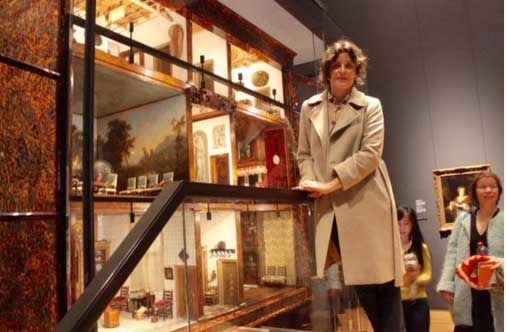 Jessie Burton and the dolls house in the Rijksmuseum