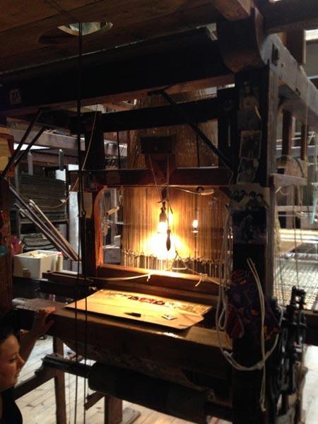 Jacquard loom in Venice. (c) Debbie Rix