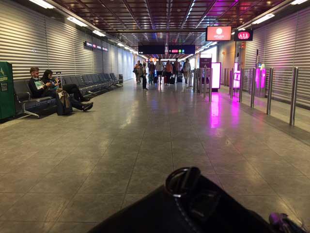 Keflavík-airport-corridor (c) Lilja Sigurðardóttir