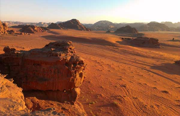 Middle East Desert (c) Zoë Sharp