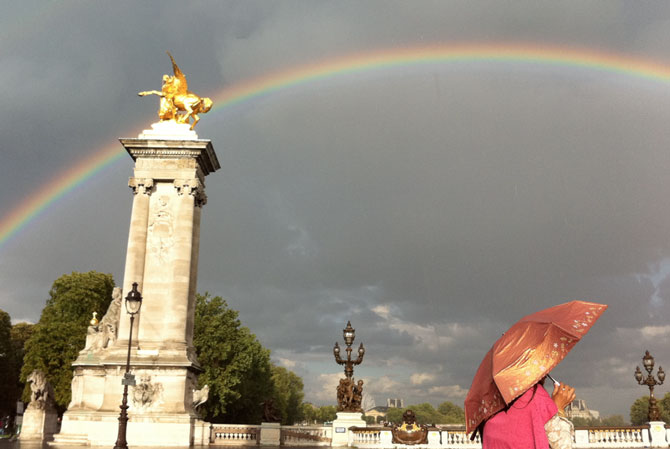 Sunshine and rain in the city of light (c) TheBookTrail