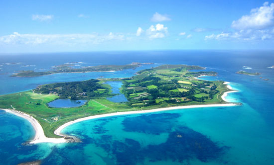 Looking across Tresco, the second-largest island (c) Wikipedia
