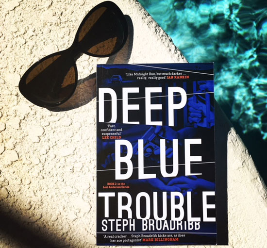 Deep Blue Trouble (c) Steph Broadribb