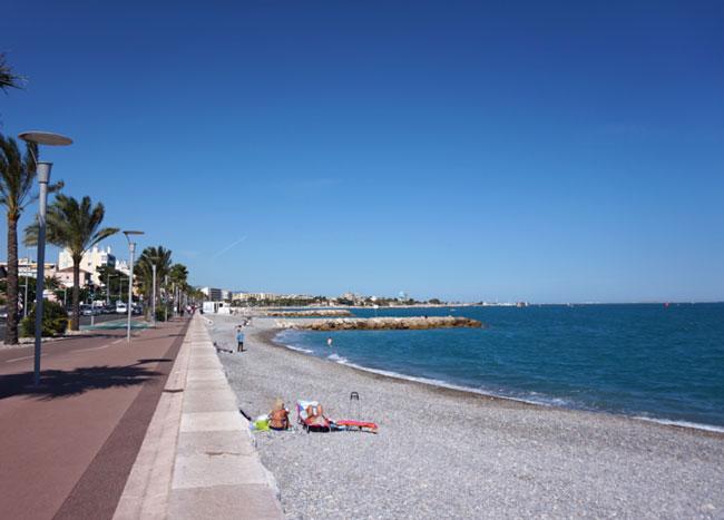 Cagnes-sur-Mer beach (c) Wikipedia