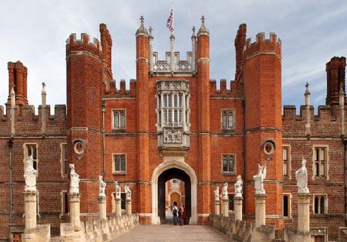 Hampton Court Palace (c) Louise Voss