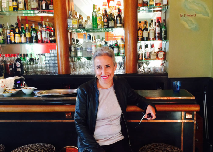 The author in the bar of the Belles-Rives Hotel(c) Tamar Cohen