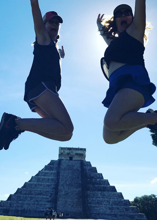 Chichen Itza (c) Liz Fenton and Lisa Steinke
