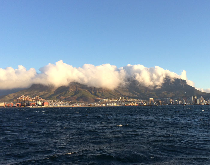 Cape-Town-from-ocean (c) Peter Stafford-Bow