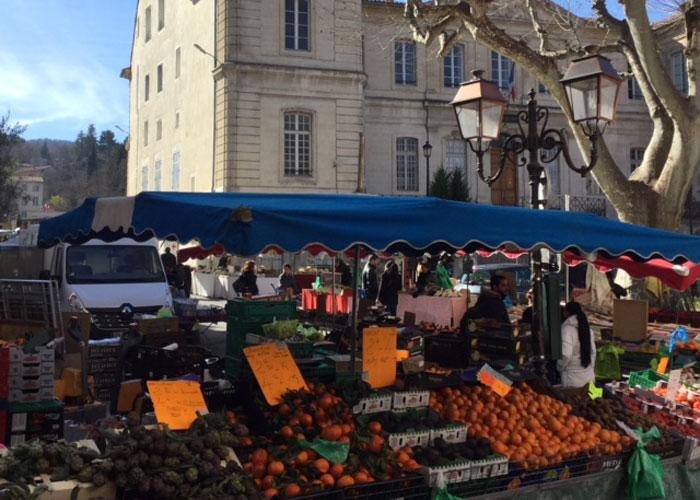 A provence market (c) Serena Kent