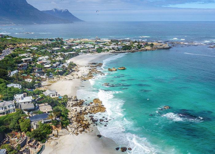 Clifton Beach, Cape Town (c) Wikipedia