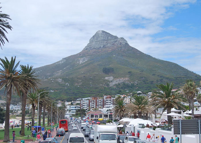 View of Lion's Head from Camps Bay (c) Wikipedia