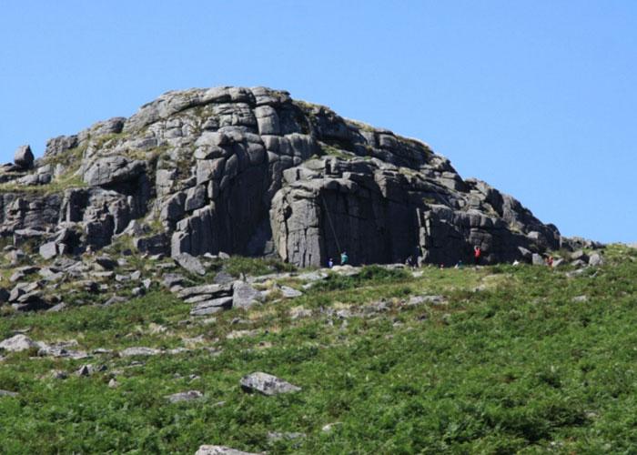 Sheepstor (c) holidayindartmoor.co.uk