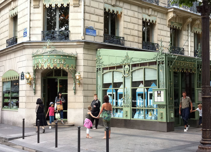 The home of Macaroons (c) TheBookTrail
