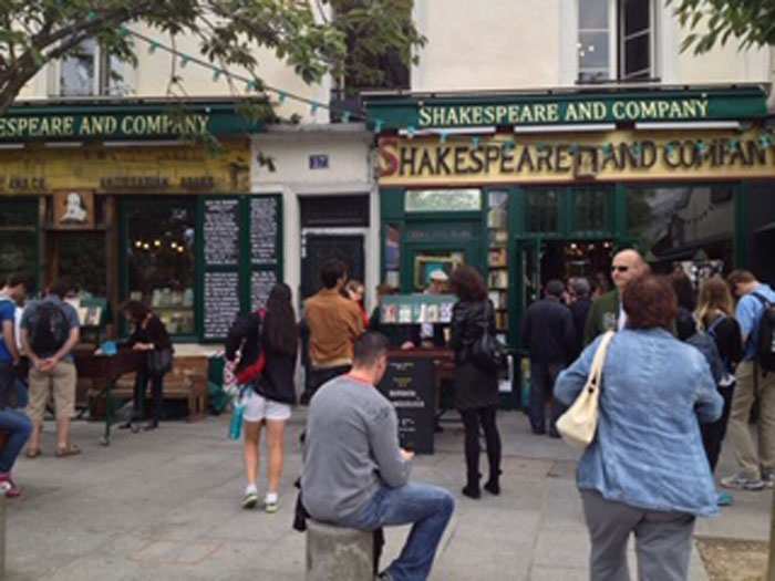 Shakespeare and Company (c) Lily Graham