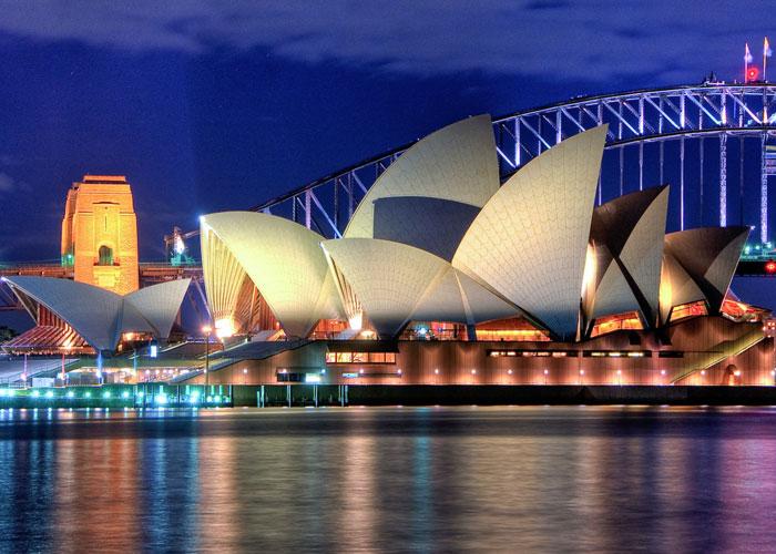 Sydney, Opera house (c) Gill Paul