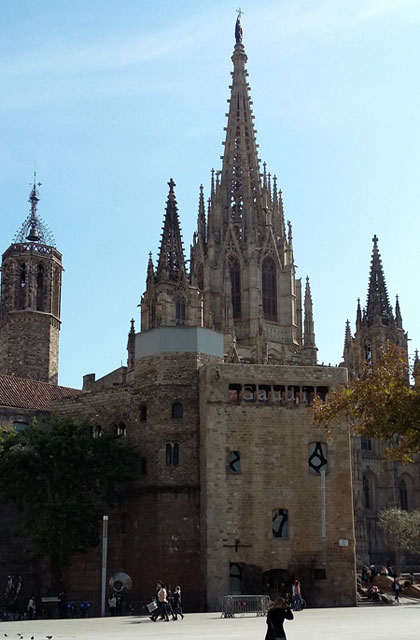 Barcelona Cathedral (c) Lillac Mills