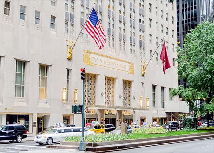 Waldorf-Astoria (a) Alan Glynn