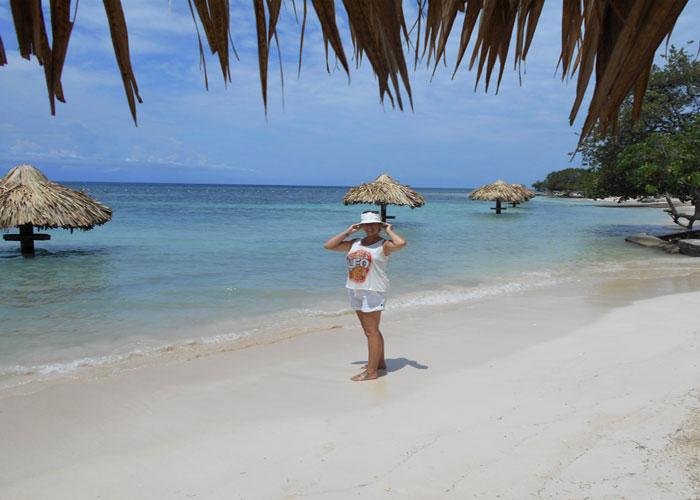 Caribbean beach fun (c) Janice Horton