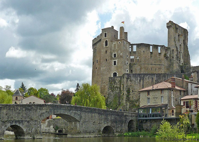 Clisson castle (c) Wikipedia