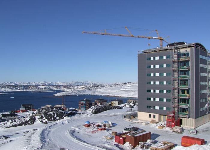 Nuuk apartment block (c) Christoffer Petersen