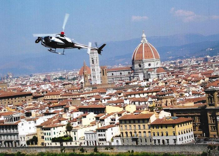 Travel to Villa Limoncello, Tuscany, Italy with Daisy James