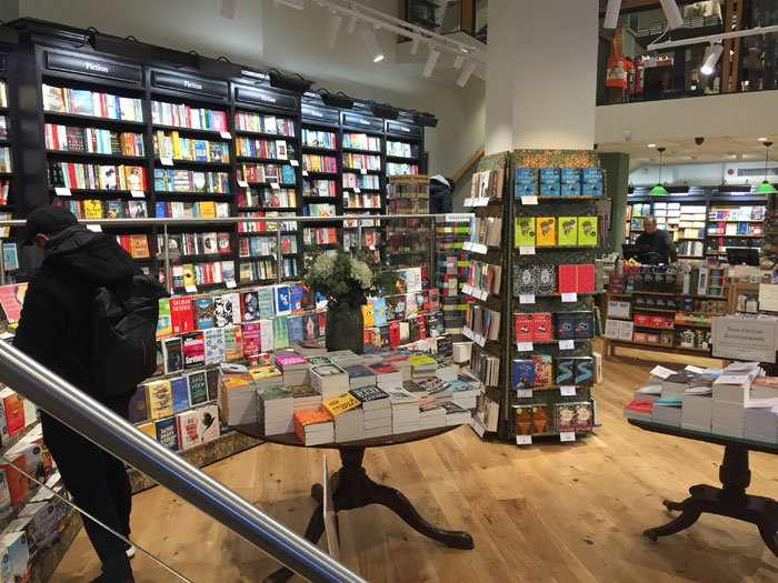 Waterstones Amsterdam (c) The BookTrail