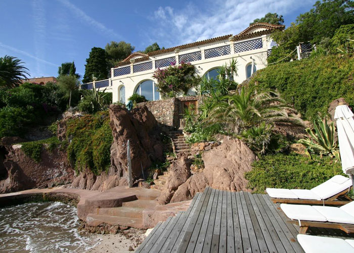 VILLA PIED A MER THEOULE, SOUTH OF FRANCE. WEST OF CANNES (c) MN Grenside