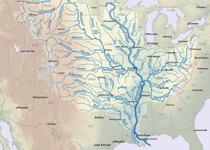 Mississippi Solo: A River Quest
