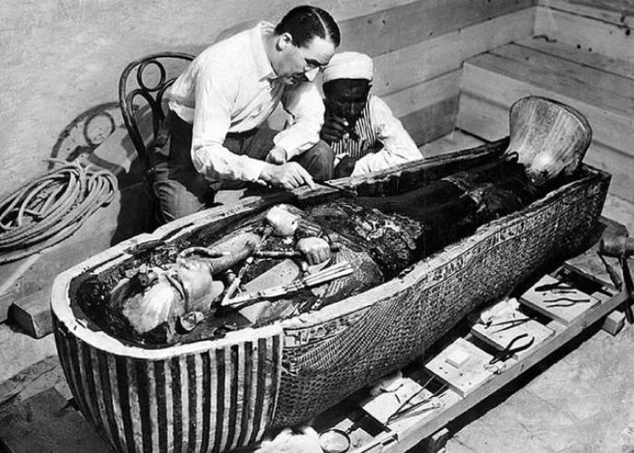 Tutankhamun's sarcophagus held three coffins, the innermost one made of thick beaten gold. When Howard Carter removed the iconic funeral mask he could see the dried-out skin, lips and nose of a king who died in 1323BC