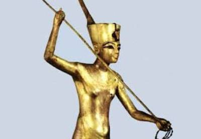 Autopsies show Tutankhamun was 5 ft 5.5 in tall and 18 years old when he died. There was evidence of a head wound thought to have been caused during burial. The most likely cause of death was a fractured femur that became infected, causing blood poisoning.